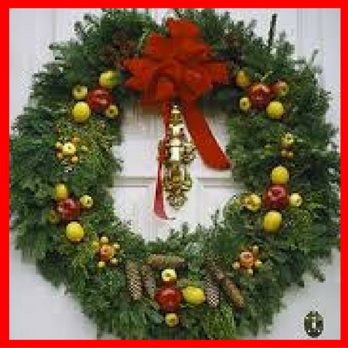 5 ways to hang a Christmas wreath on your door