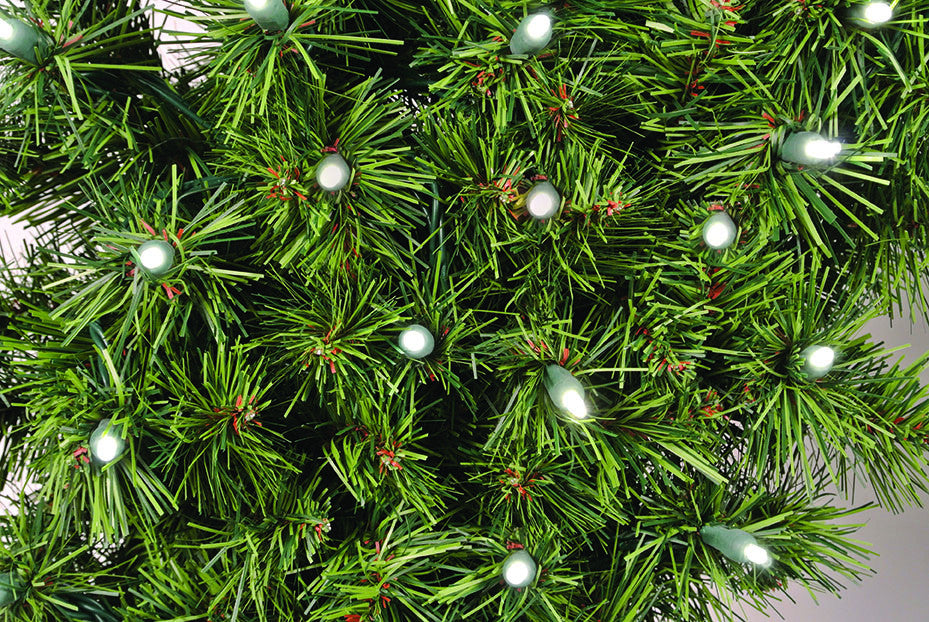Natural Mountain Pine Wreath