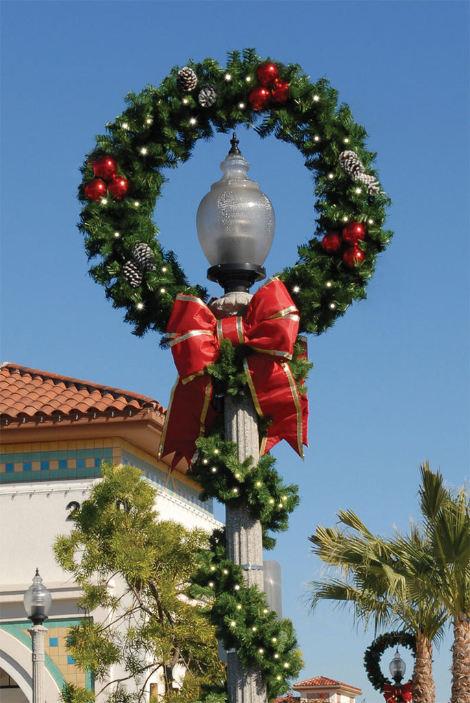 Outdoor Lit Lamp Post Christmas Wreath with Bows