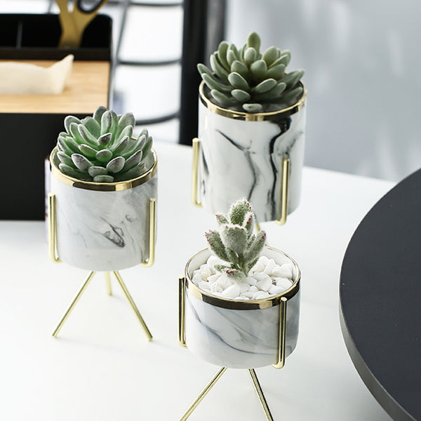 Ravi - Gilded Minimalist Plant Pot Holder
