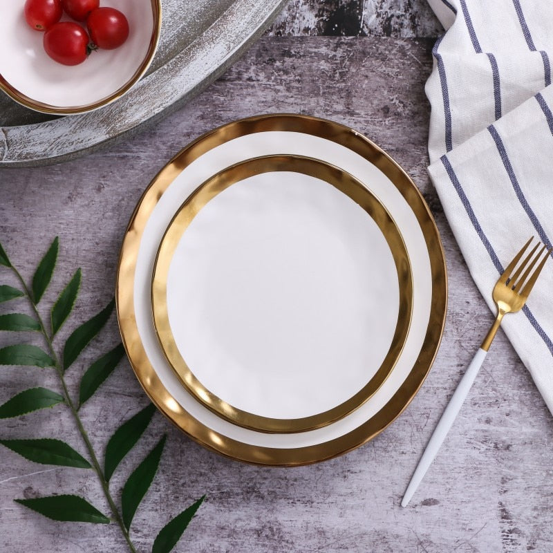 Pearl of The Sea Plate - Ivory Reflective Plate With Gold Trim