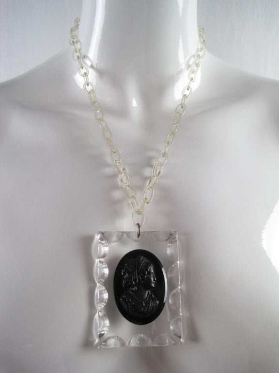 Vintage Jewelry: Vintage 1940's Lucite Cameo Necklace