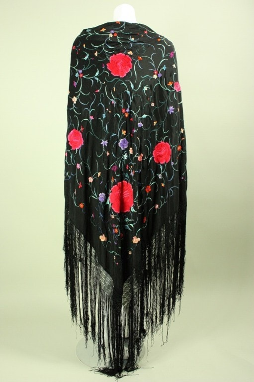 Vintage 1920's Cantonese Hand-Embroidered Piano Shawl