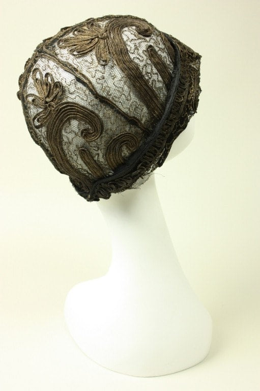 1920's Cloche Gold Bullion & Lace Vintage - regenerationvintageclothing
