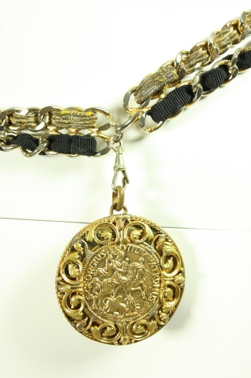Chanel Belt 1960's Chain with Original Box Vintage - regenerationvintageclothing
