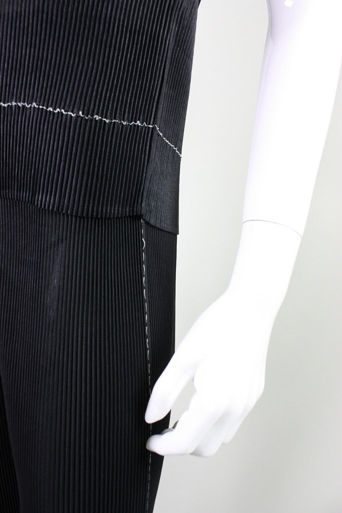 Issey Miyake Ensemble Pleated Minimalist Vintage - regenerationvintageclothing