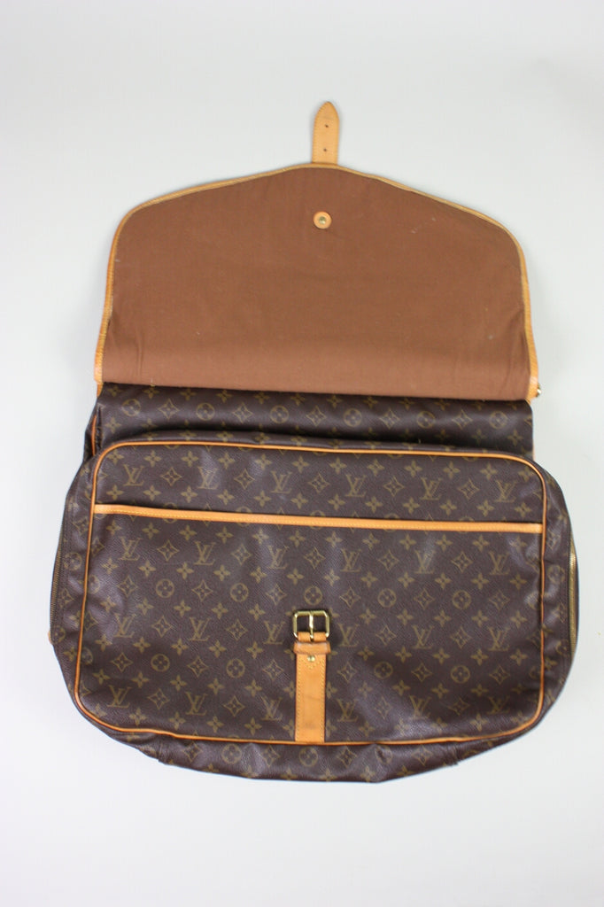 f69dde40f1 Louis Vuitton Luggage 1990's Sac Chasse Monogram Canvas Vintage