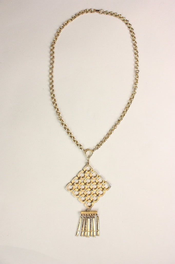 Vintage Jewelry: Vintage 1970's Chain Necklace with Geometric Pendant