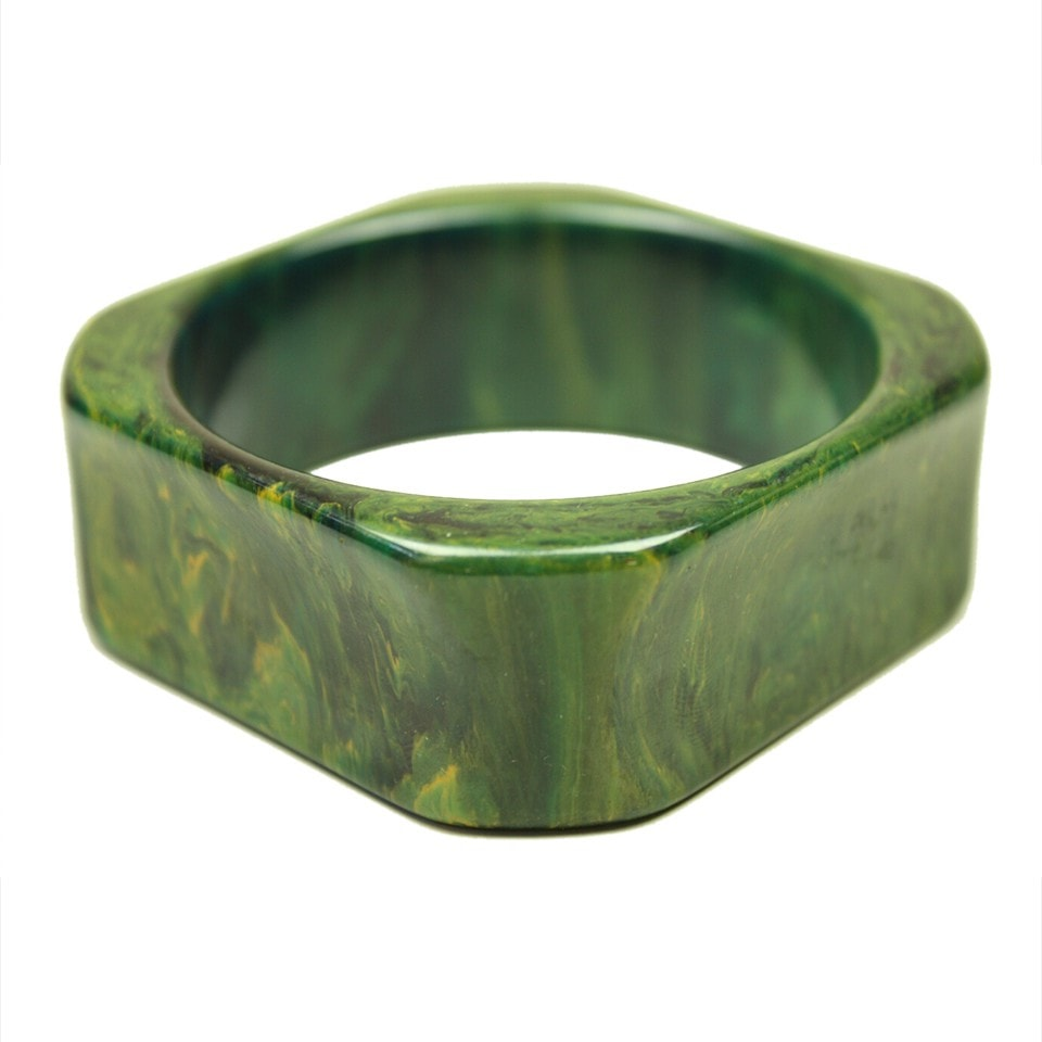Vintage Jewelry: 1930's Green Marbled Bakelite Bangle