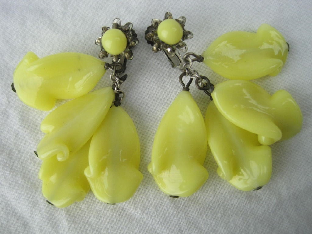 Miriam Haskell Earrings 1960's Glass Vintage - regenerationvintageclothing