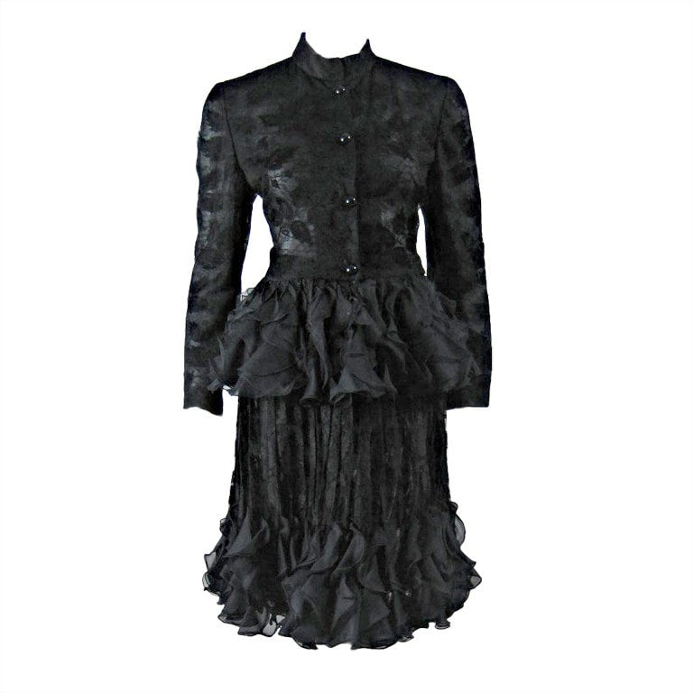 Vintage Clothing: 1980's Valentino Lace Ensemble With Ruffled Peplum