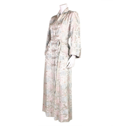 Vintage Clothing: 1940's Silver Dynasty Silk Robe