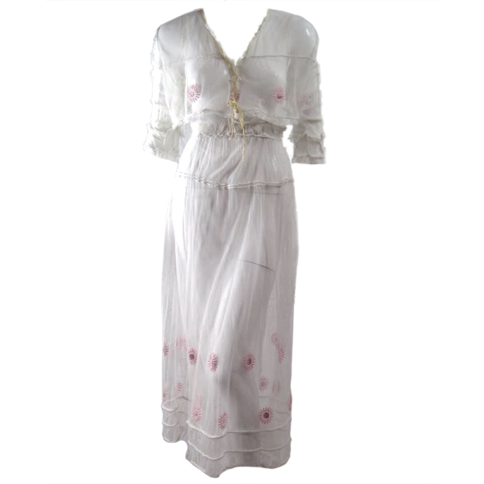 Vintage Dresses: Vintage Dresses: Edwardian Tea Dress With Floral Embroidery