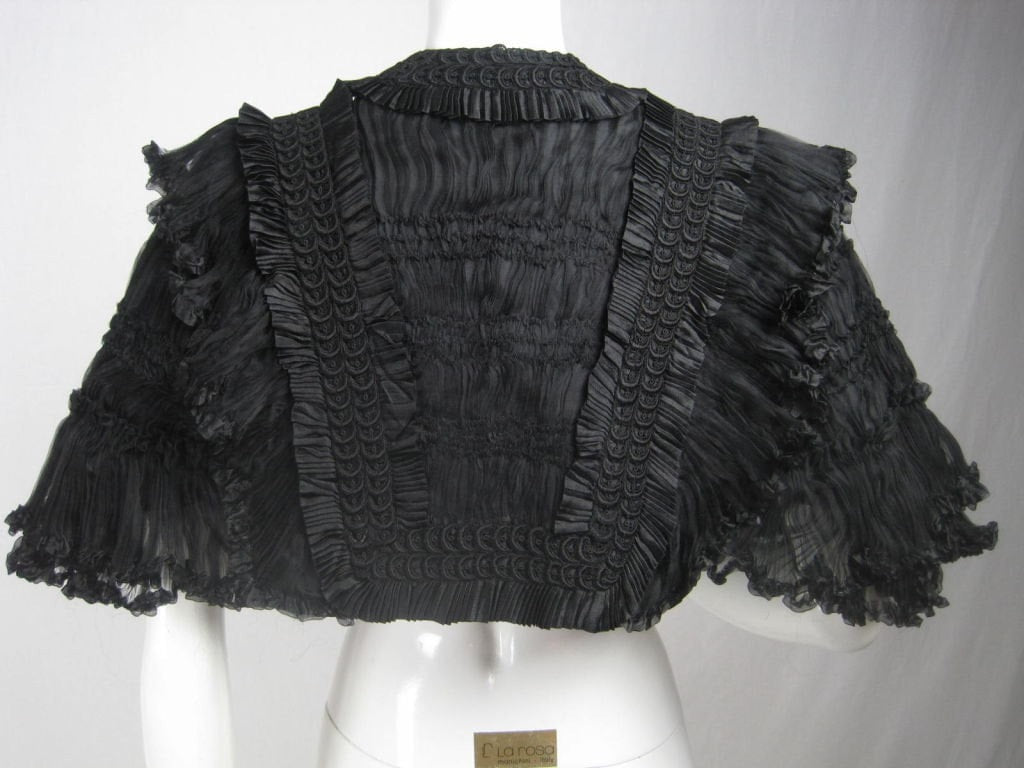 Early 1900's Capelet Au Bon Marché Black Lace Vintage - regenerationvintageclothing