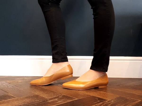 Wide fit tan leather flat shoes for winter or summer