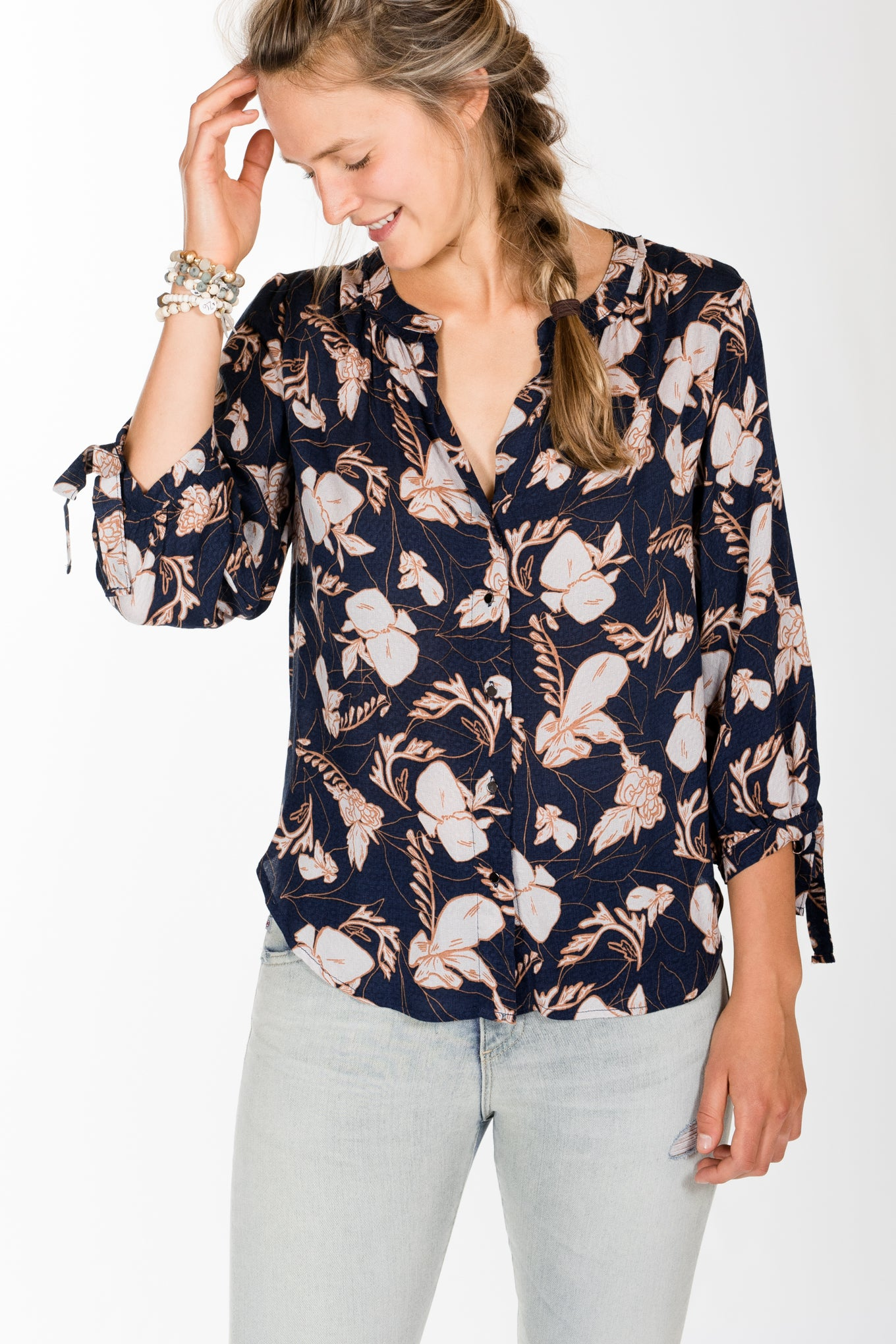 Splendid.Tie Sleeve Blouse.Navy Multi