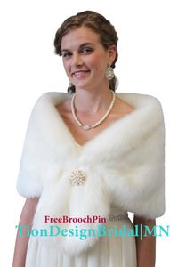 Bridal faux fur stole Ivory, Faux fur wrap, bridal fur wrap, wedding fur shrug