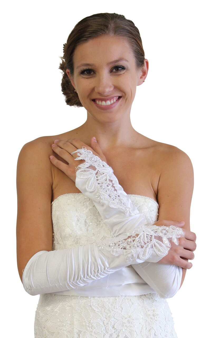 White Embellished Lace Gauntlet Glove P02