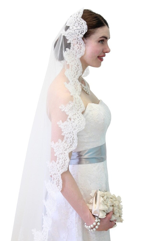 Ivory Alencon Lace One Tier 65