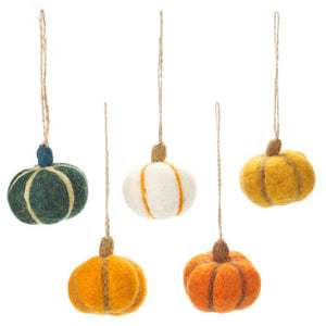 Felt So Good Handmade Hanging Pumpkins