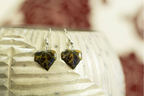 Acdria Small Dark Ivy Leaf Earrings