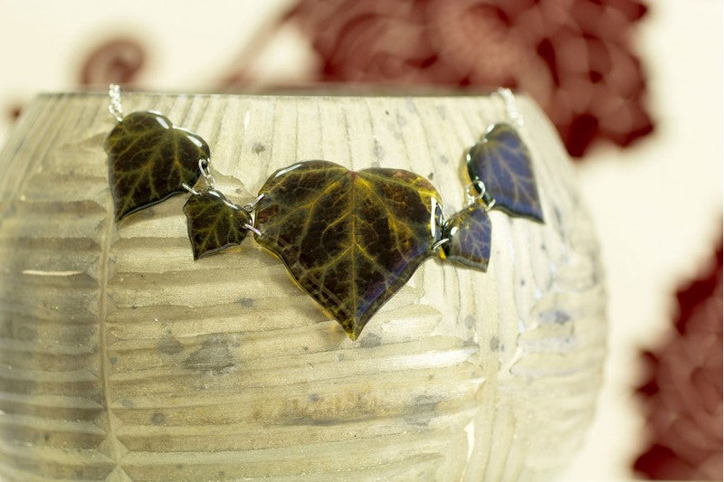 Acdria Dark Ivy Leaf Necklace