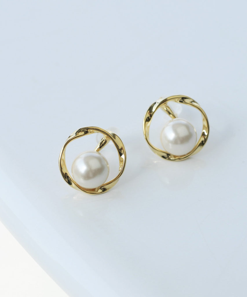 Pearl and Metal Clip On Earrings[Sheerchic]