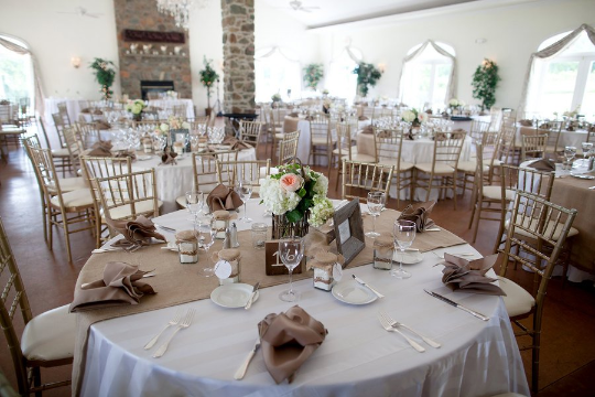 Table Runner On A Round Table.90 X 15 Inch Burlap Table Runners Fit 5ft Round Tables