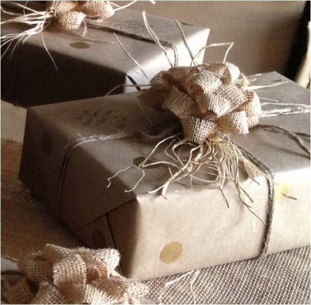 Burlap & Raffia Christmas Bows - The Rustic Chic Boutique