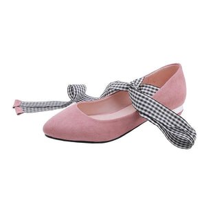 Woman Low Heeled Shoes