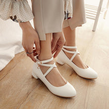 Load image into Gallery viewer, Women's Cross Straps Low Heeled Shoes