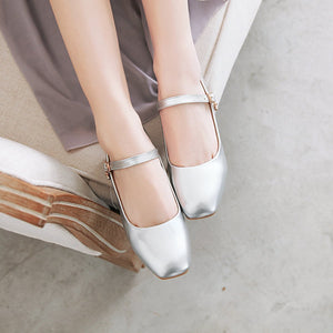 Woman's Square Head Buckle Shallow Mouth Chunkey Middle Heels Pumps