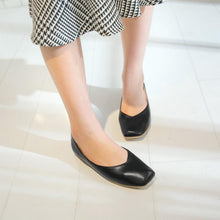 Load image into Gallery viewer, Girls Woman's Casual Square Head Flat Shoes