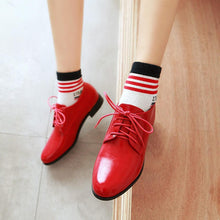 Load image into Gallery viewer, Woman's Leisure Lace Up Low Heeled Shoes