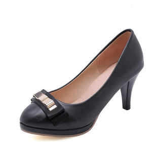 Woman's Chunkey Heel PumpsHigh Heeled Round Head