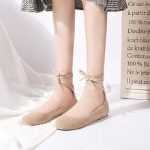 Load image into Gallery viewer, Girls Shallow Round Head Cross Strap Flat Shoes