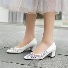 Load image into Gallery viewer, Lady Pointed Toe Flower Shallow Shoe Woman Chunkey Pumps