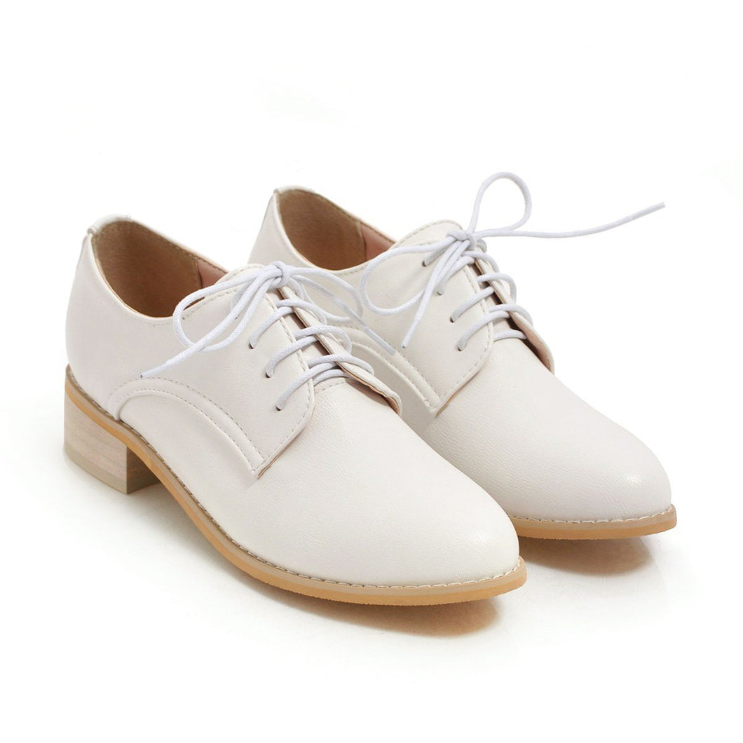 Woman's Faux Leather Lace Up Low Heeled Shoes