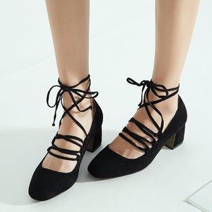 Woman's Cross Straps Bold Heel Middle Heel Head Shallow Pumps