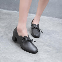 Load image into Gallery viewer, Woman's Knot Middle Heeled Oxford Shoes