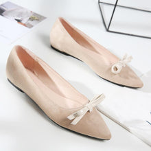 Load image into Gallery viewer, Girls Pointed Knot Flat Shoes