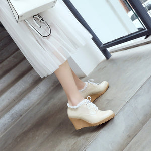 Casual Spring and Autumn High-heeled Laces Women Platform Wedges Shoes
