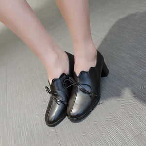 Woman's Knot Middle Heeled Oxford Shoes