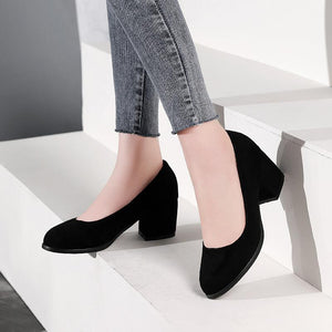 Lady Suede Medium Heel Shallow Mouth Shoes for Woman