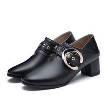 Load image into Gallery viewer, Woman's British Style Mid Heeled Oxford Shoes
