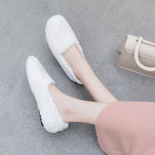 Load image into Gallery viewer, Girls Wool Round Head Flat Shoes