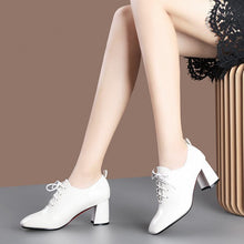Load image into Gallery viewer, Lace Up Block Heel Shoes