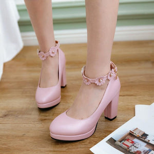 Sweet Flower Fastener High-heel Block Pumps