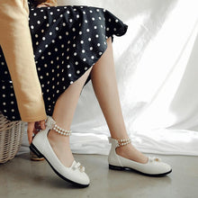 Load image into Gallery viewer, Woman Pearls Low Heeled Princess Shoes