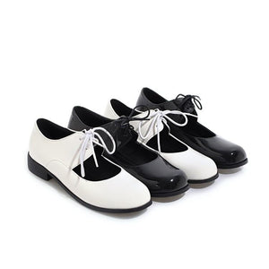 Woman's Shallow Square Head College Style Lace Up Low Heels Shoes